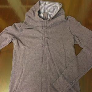 Lululemon reversible front cinch sweatshirt sz 4